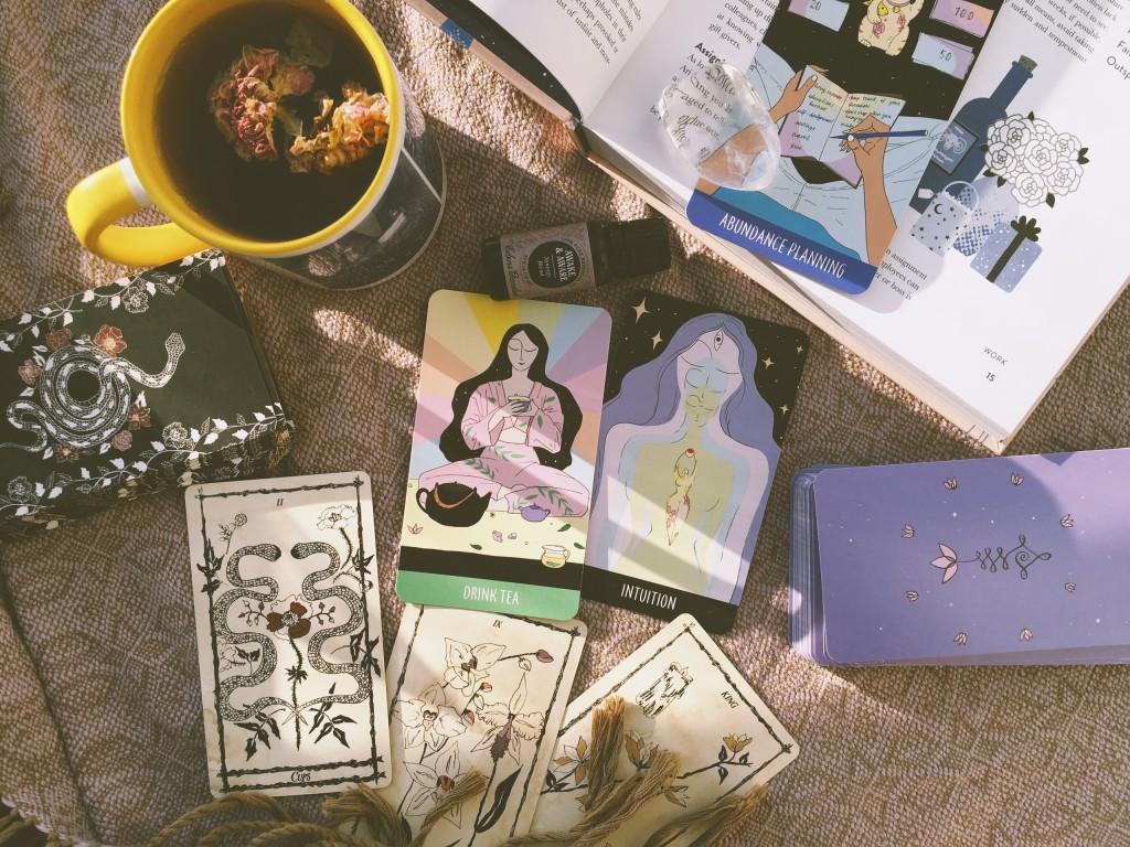 sacred self-care rituals oracle deck купить